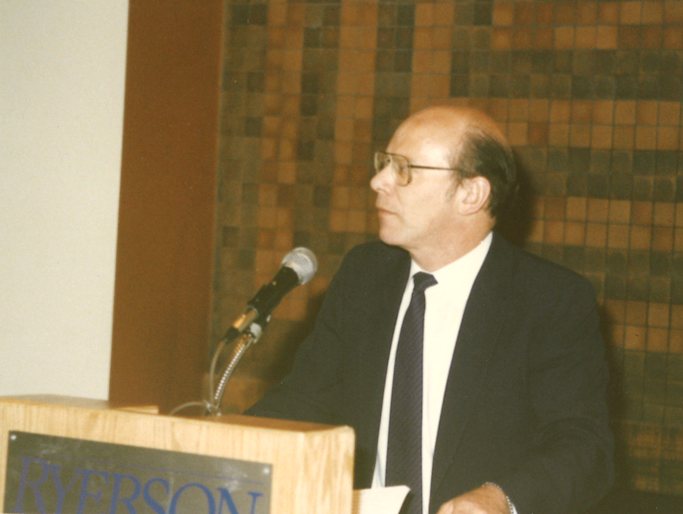 1990s Arnold Amber at Ryerson lecturn